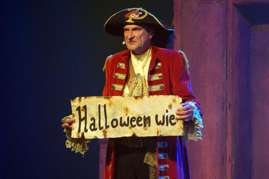 Deze afbeelding heeft een leeg alt-attribuut; de bestandsnaam is Piet-Piraat-Halloween-Plopsaland-De-Panne-4-1024x683.jpg